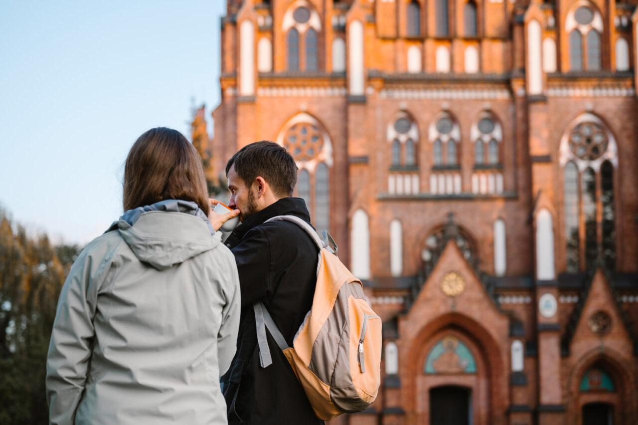 narzeczeńska sesja zdjęciowa na warszawskiej Pradze