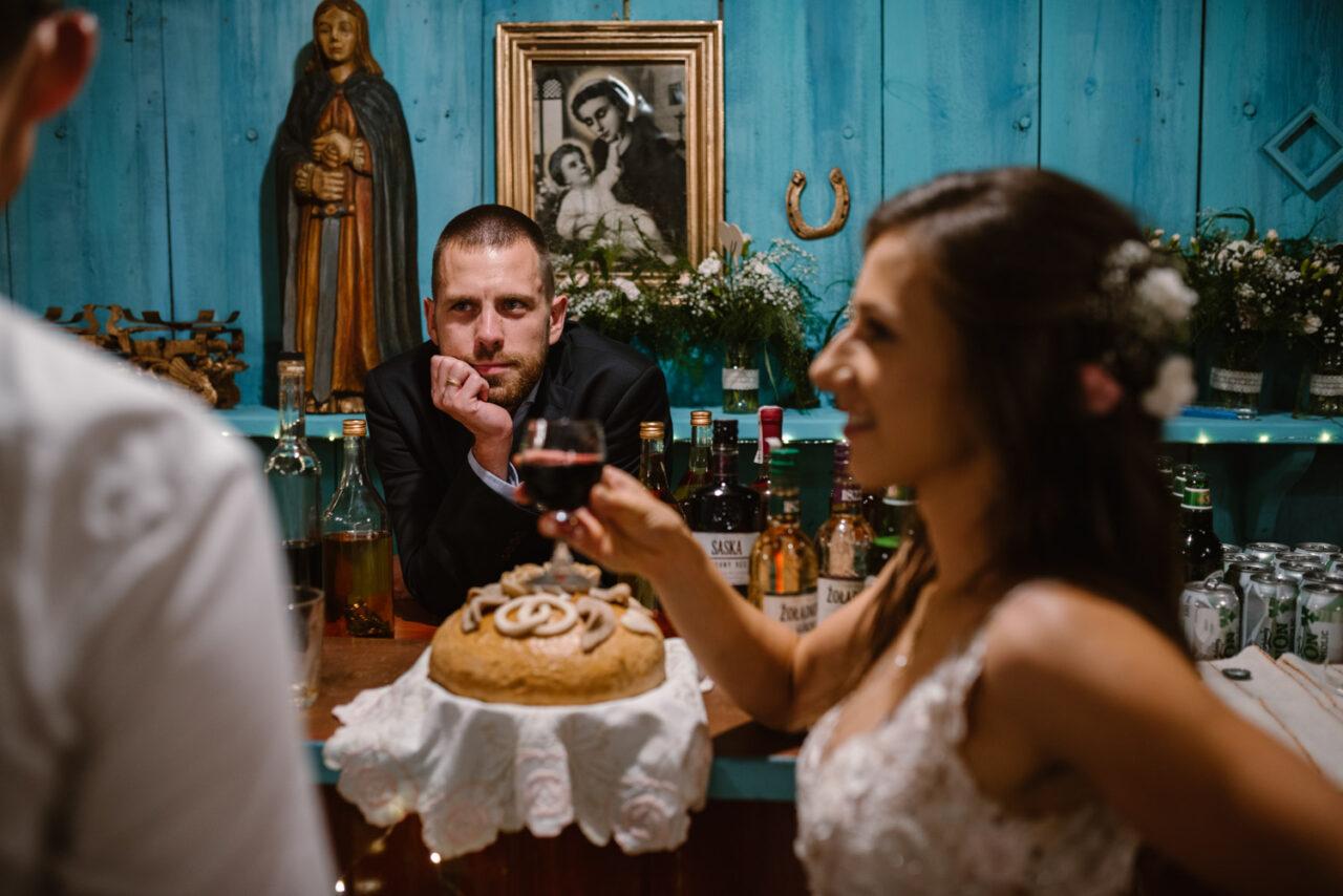 rustykalne wesele i ślub w Lublinie - panna młoda i goście