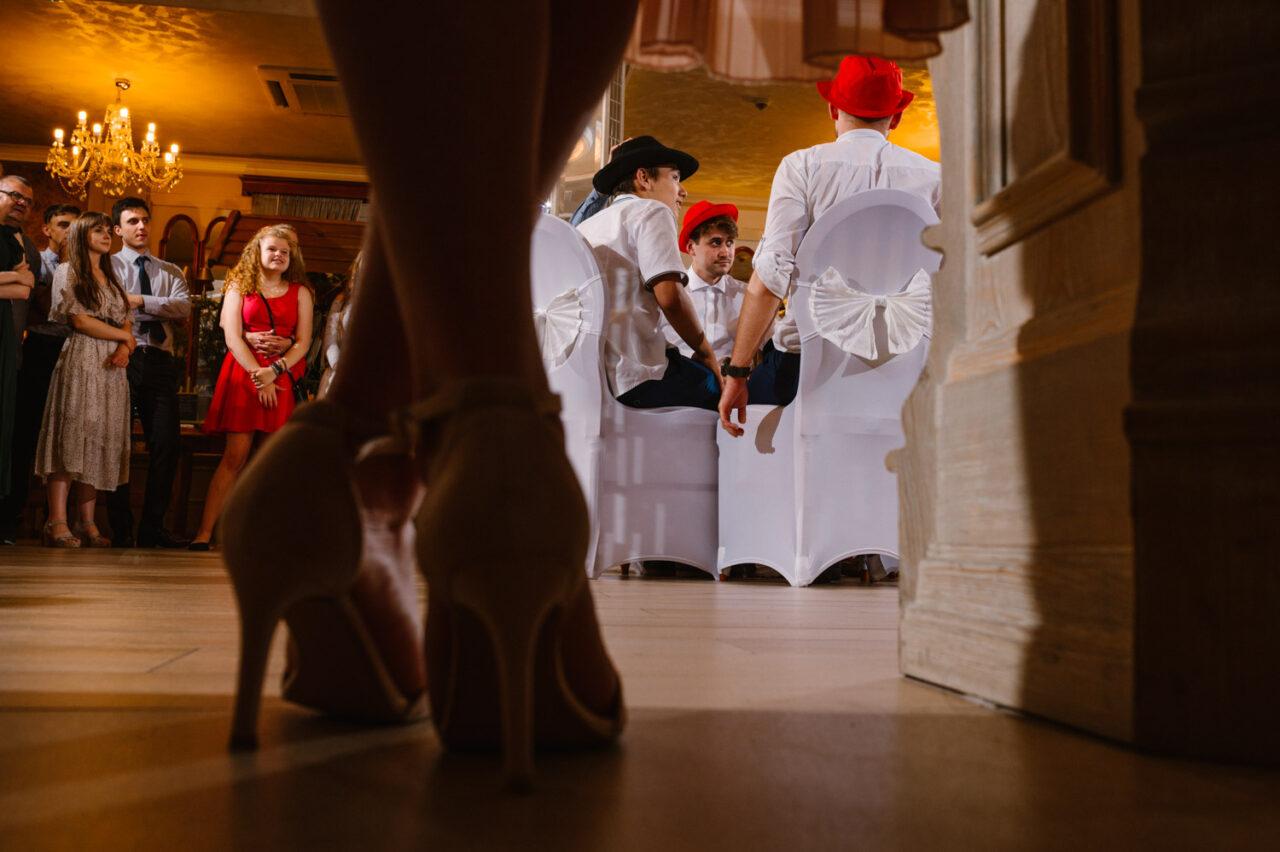 zabawy weselne gości podczas przyjęcia