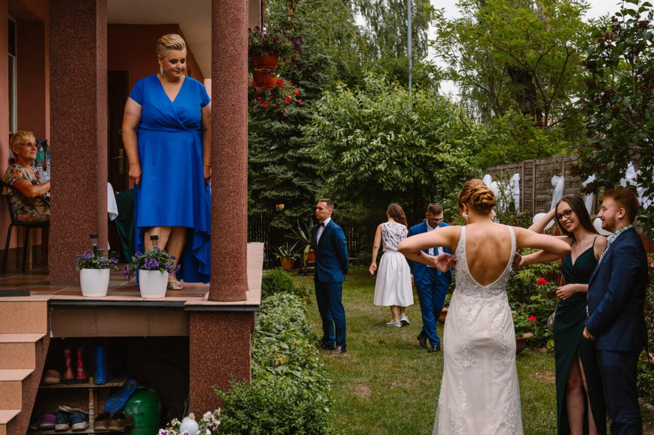 rodzina panny młodej przed weselem